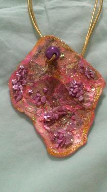 Vieux rose parme et pierres incrustées Référence R5
