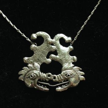 pendentif le baiser des dragons livré avec chaine argent massif hauteur : 4cm