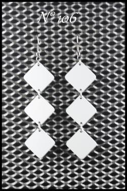 Bijoux en aluminium N°106 Longueur 7 cm Plusieurs couleurs disponibles, et personnalisables.