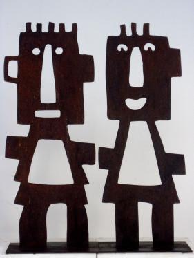les Babu sculptures en acier patiné  hauteur : 40 cm