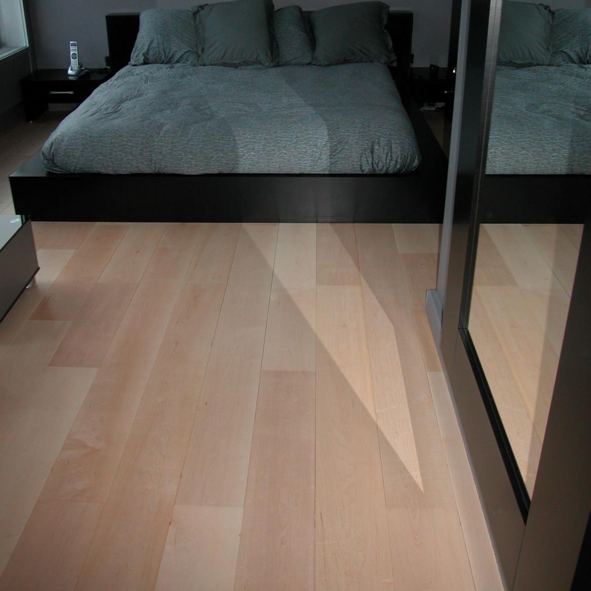 a vendre 0 cr ation de roger mahler l 39 univers du parquet 20522. Black Bedroom Furniture Sets. Home Design Ideas