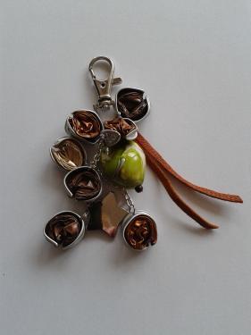 porte clefs vert anis et marron
