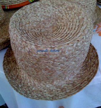 Chapeau haut de forme (bob) en fibres de Bakoua N°7
