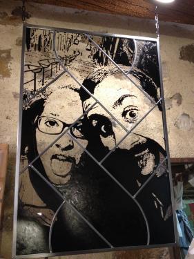 vitrail tableau (suspendu) 60 cm x 80 cm technique traditionnelle et peinture grisaille à main levée verre float Encadrement fer