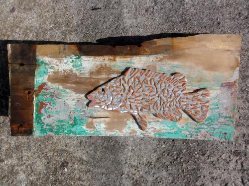 Vieille en mosa�que r�alis�e avec un m�lange d'anciennes tesselles d'�maux de Briare et de gr�s �maill� sur morceau de pavois du