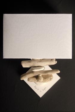 Applique murale Esprit de Lagon. Abat-jour et base assortis ici en blanc de seiche. L25 P12 H35 Ampoule 15 Watt max non fournie