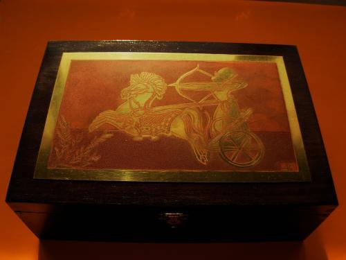 Boîte à cigares RamsesII sur son char   18x26x9h