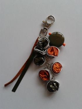 porte clefs orange et vert