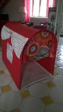 petites cabanes pour enfants pliables, transportables  100x120x75 sur commande