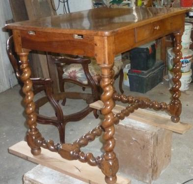 restauration table LXIII en noyer