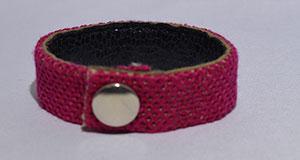 bracelet point oeillet