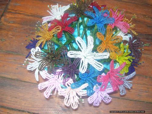32 mini Lys de différentes couleurs. Possible de réaliser dans d autres couleurs. Prix unitaire 2.50 euro