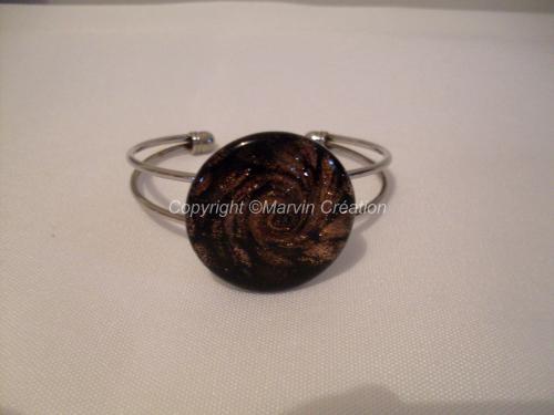 Bracelet (ajustable) argenté pression, palet paillettes cuivre, résine de glaçage Réf: BR02164