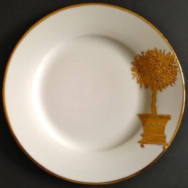 Assiette dessert motif arbre. Référence: Diamètre: Sur commande délais nous consulter.