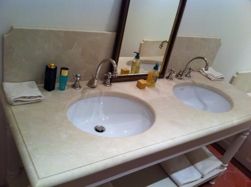 Salle de bain en Marfil