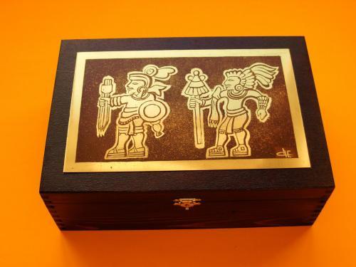Boîte à cigares Guerriers 18x26x9h