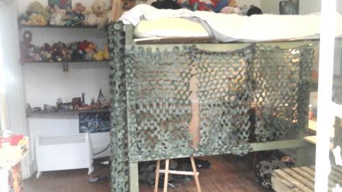 Un lit immense. 2 matelas de 90x200 cm,de quoi coucher tout un tas de peluches !