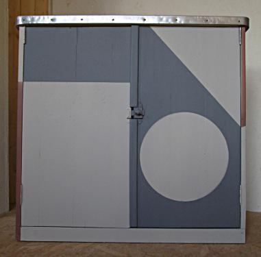 meuble des années 50 restylé dimensions: H 65cm L 67cm P 41cm 2 portes, 2 étagères amovibles