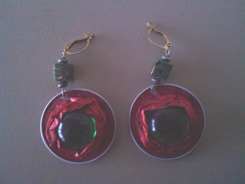 Boucles d'oreilles rouges, capsules et cabochon verre