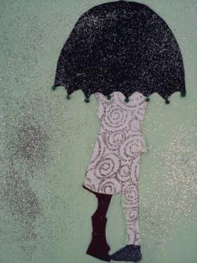 Aimons-nous sous la pluie: petit tableau sur carton toilé peint, silhouette en papier cartonné, paillettes.