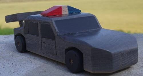 La Super-Flic: Voiture de police en bois de Hêtre