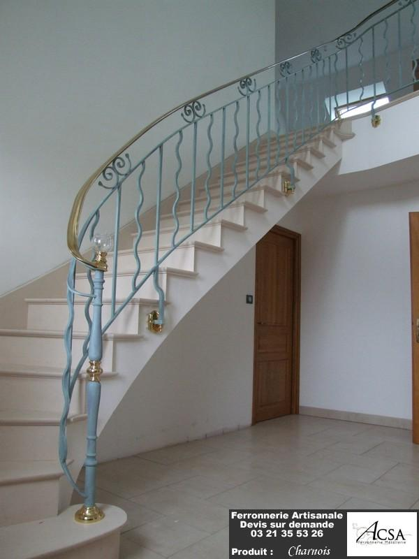 courante debillardee escalier tournant suspendu avec main pictures. Black Bedroom Furniture Sets. Home Design Ideas