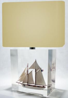 description Belle-Poule/ Etoile  Grande Lampe  23 x 23 x 13 cm