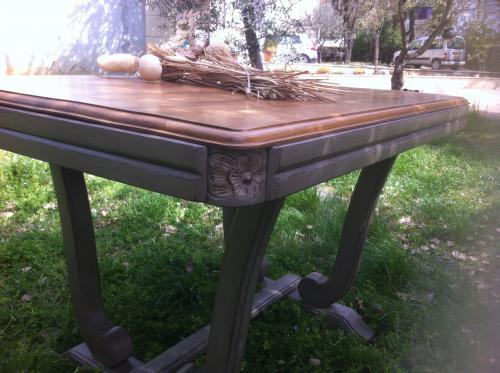 Table plateau bois pi�tement couleur