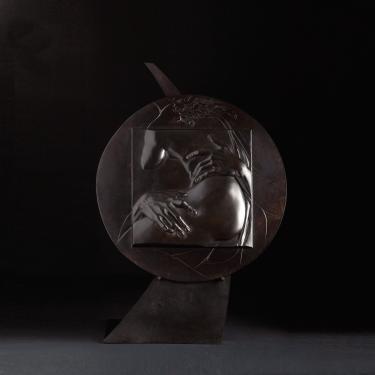 Un détail de l'Enlèvement de Proserpine de le Bernin. Médaillon diamètre 450 mm. Version tout bronze.