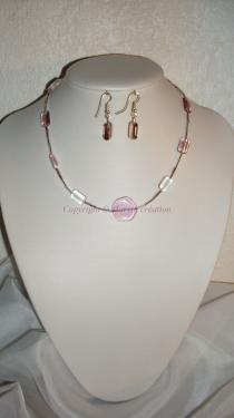Parure ( 39 cm) (ADO) fil cablé, perles en verre rose et blanc Réf : PA22