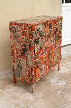 Pin-up: commode vintage 4 tiroirs, customisée avec des revues