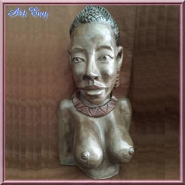 buste noire africaine très stylisé en terre lisse noire, cuite et patinée. je l'ai appelée Elikya ce qui signifie Espérance en langue lingala