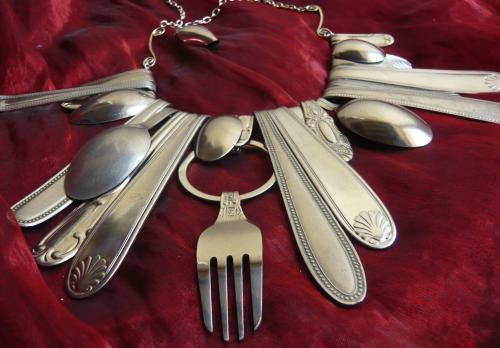 Collier fourchettes Sissi brin d'acier Sur commande uniquement