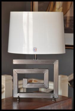Un nouvel abat-jour ovale pour la lampe Athéna pm. Hauteur total 54 cm.
