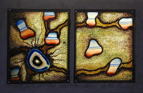 vitrail: verres industriels et plomb; peintures à la grisaille et émaux