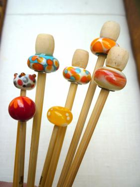 Aiguilles à tricoter et crochets en bambou et perles de verre