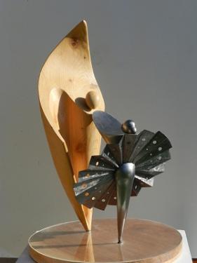 LA MUSE ET LE PROPHETE  La matière :  EPICEA - METAL - ALTUGLASS  Hauteur : 68 cm