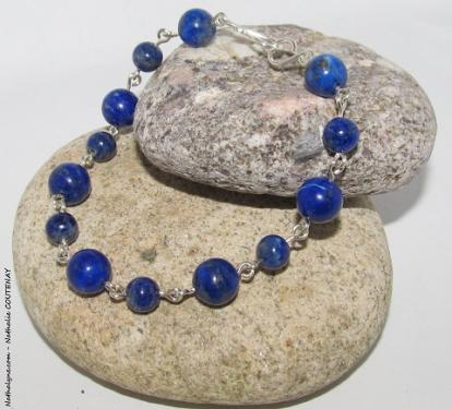 Bracelet lapis lazuli et argent massif, fait main, en France par Nathalyne.  http://www.nathalyne.com/wa_ps_1_5_2_0/lang/9-bracelet-lapis-lazuli-et-argent-massif-935-fait-main.html