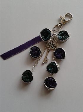 porte clefs violet et vert