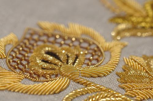 Niveau 3 broderie or (nommé motif 18ième) à venir faire en formation à l'atelier à Rochefort...