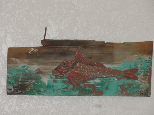 Rouget grondin en mosa�que de tesselles anciennes d'�maux de Briare sur morceau de pavois du