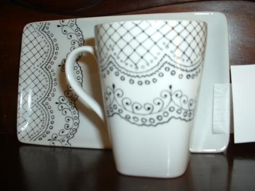 tasse et sous tasse dentelles