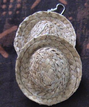 Boucles d'oreilles en chapeau bakoua N°4
