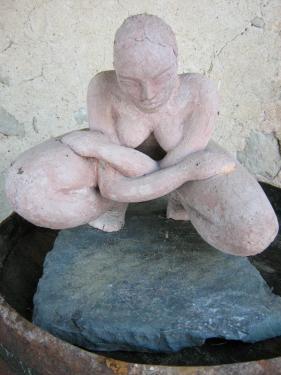 Femme bras croisés...