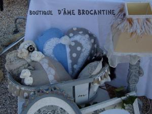 Logo de annick bottot d'âme brocantine