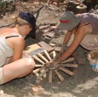 Stage poterie :consctuction et utilisations de fours à bois , Jean-Marie et Bernadette GIORGIO et BONAFOUS Poterie du Carbassou