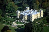 Exposition au Château de FERRIERES  , marie gironde