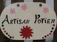 Marché de potiers à Charavines (38) , catherine lefebvre poterie la bâtie montgascon